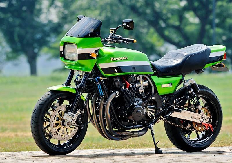 Kawasaki KZ1000R Eddie Lawson Replica motorcycle