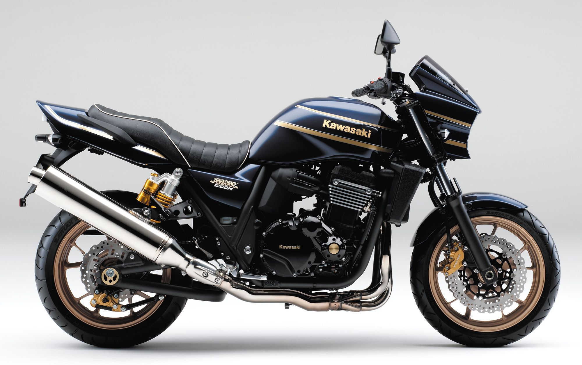 Black Kawasaki ZRX1200R DAEG - Japan only model