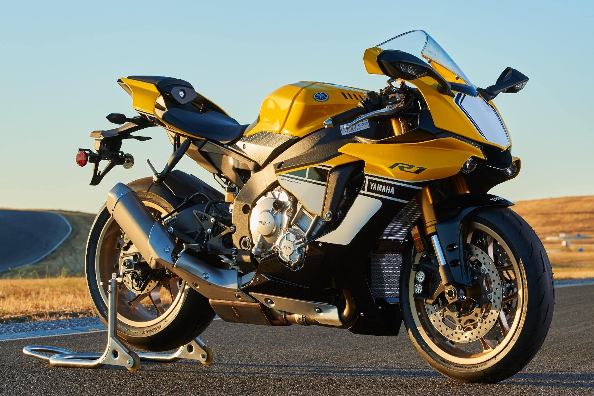 Why and How to Buy a Yamaha R1