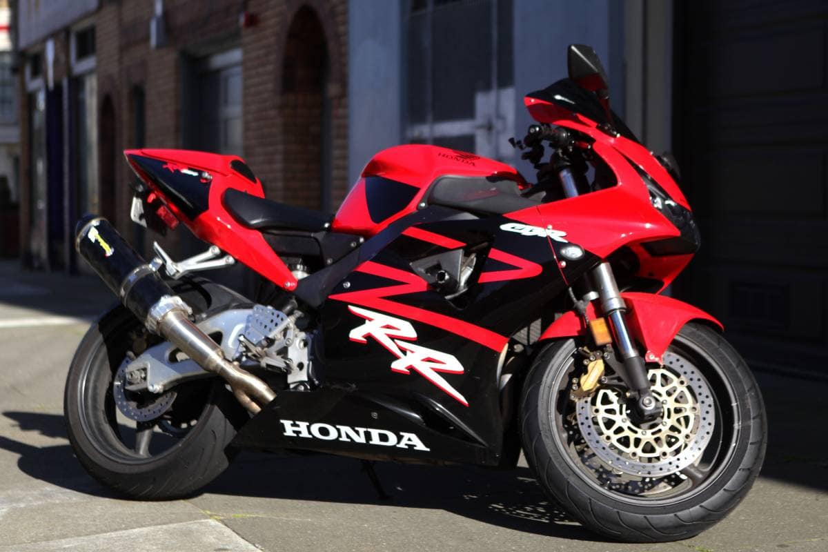 Honda CBR954RR FireBlade, best of the designs from Tadao Baba