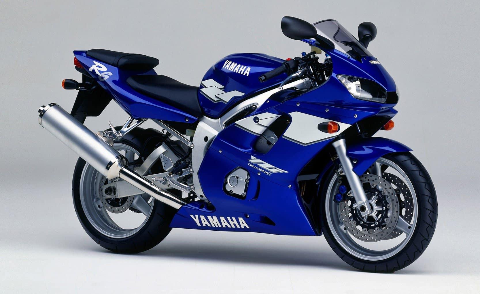 Original, first generation Yamaha R6 in blue