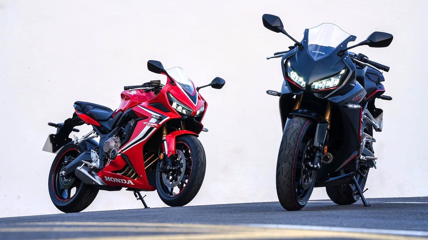 Honda CBR650R, Red and black models