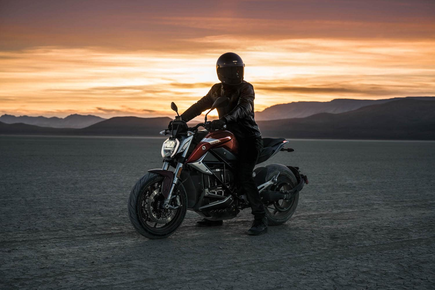 The 2020 Zero SR/F at Sunset - a very good-looking electric motorcycle