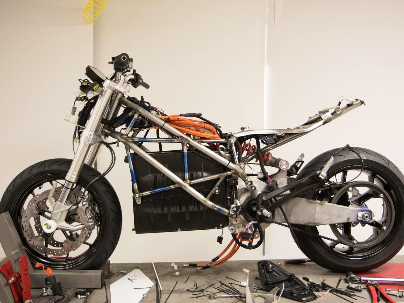 The Trellis exposed frame of the Zero SR/F motorcycle