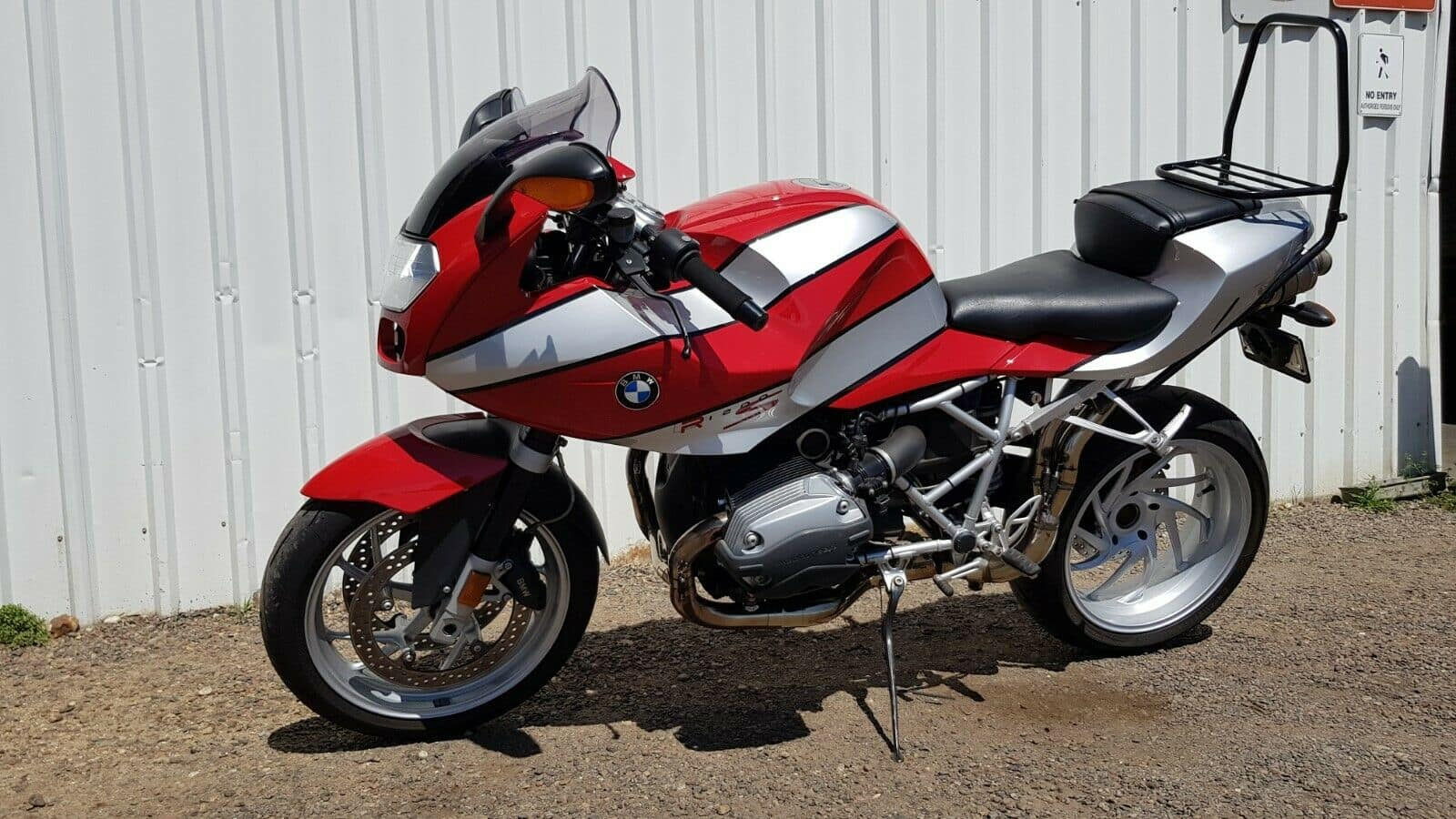 BMW R1200S - I ended up buying this