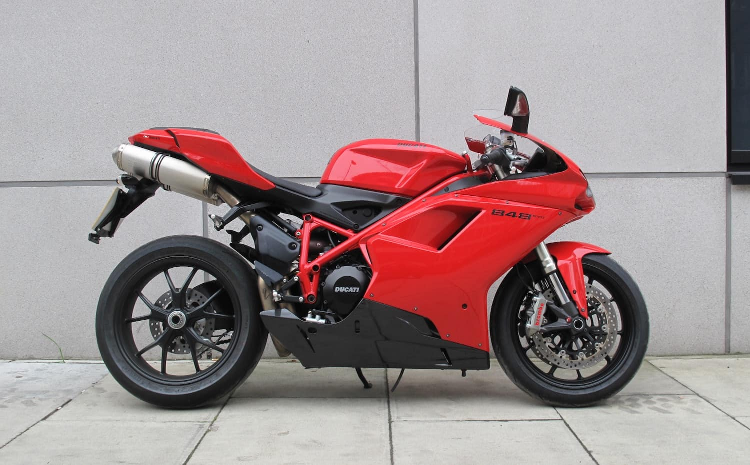 Buying a used Ducati - check for intact fairings when buying used