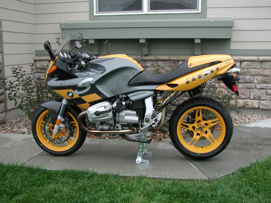A yellow and silver BMW R1100S, another boxer sports motorcycle like the R1200S
