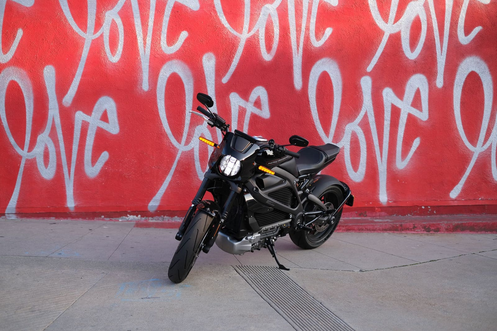 Harley Davidson LiveWire, Instagram love wall in Los Angeles