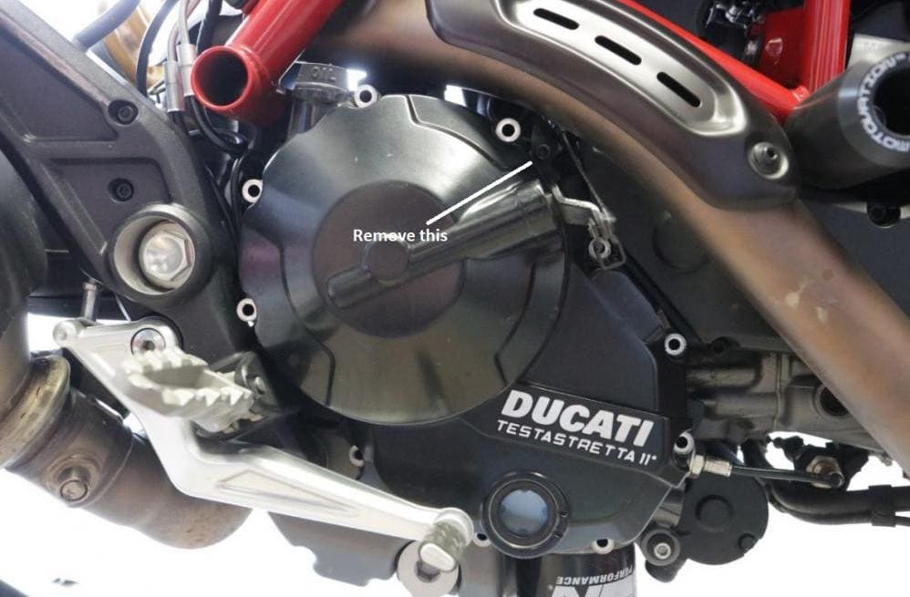 Clutch retaining tab on Ducati Hyperstrada
