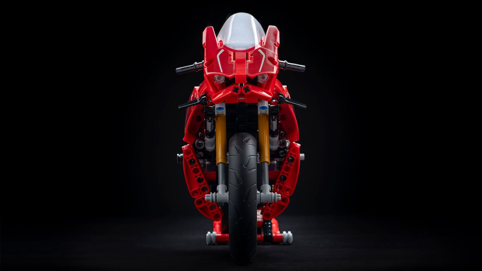 Lego Ducati Panigale V4R. With winglets on the front!