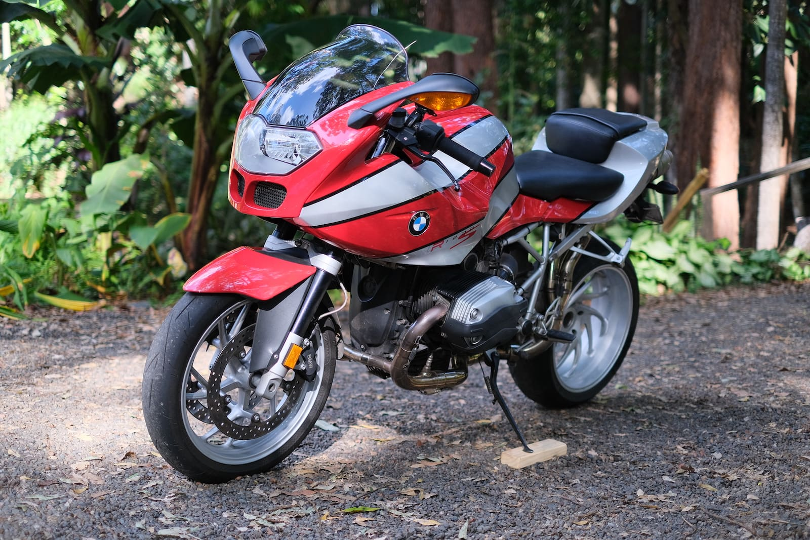 BMW R1200S in red and silver - side view up close