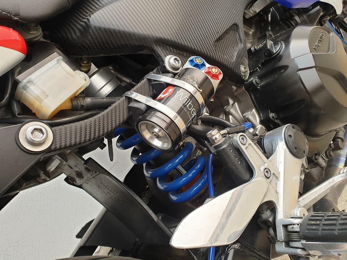Modified rear shock for Honda VTR1000F Firestorm - Wilbers