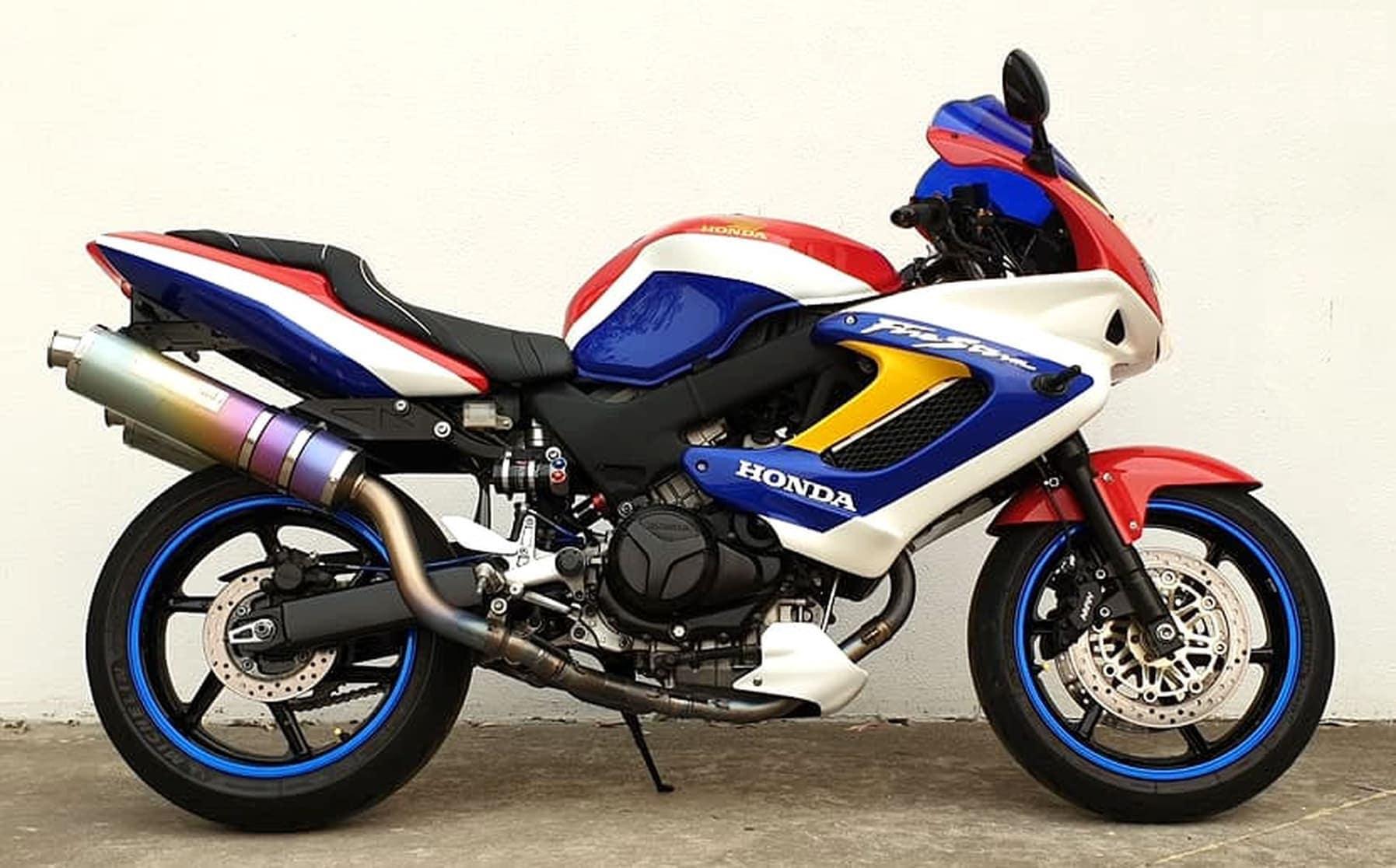 Custom painted Honda VTR1000F Firestorm Superhawk