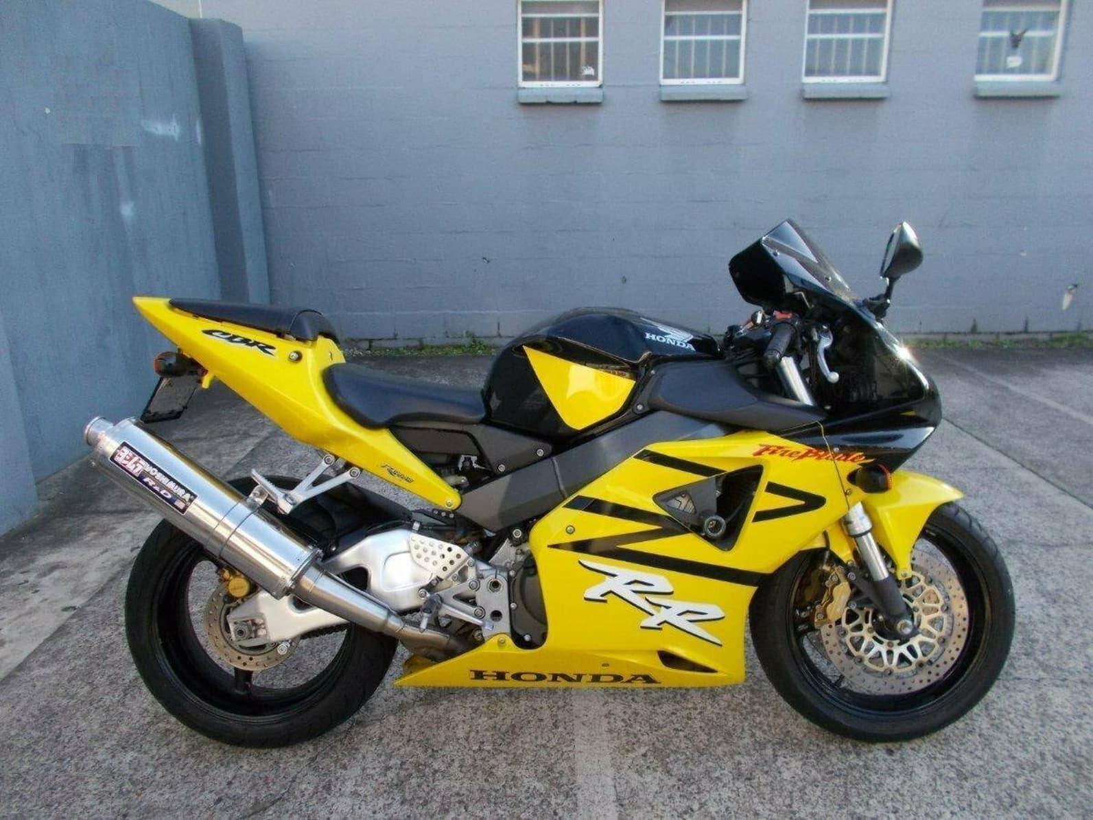 Yellow and Black Honda CBR954RR FireBlade from Gold Coast Honda