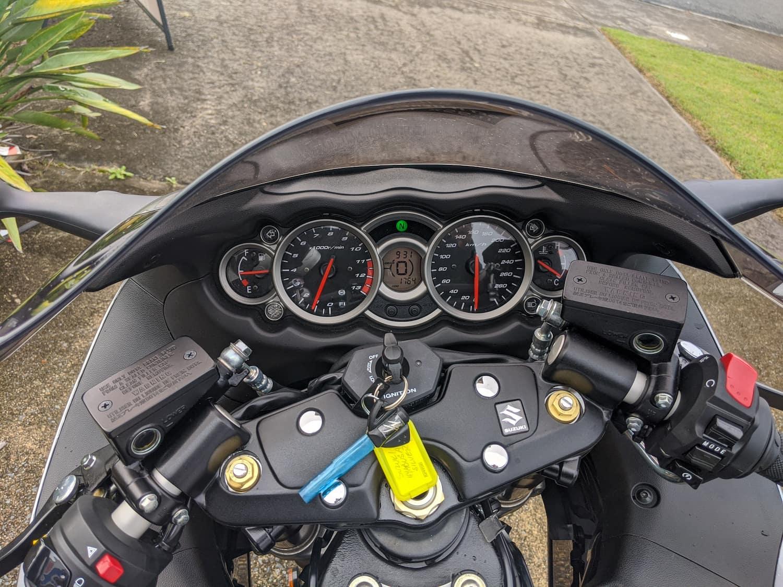 The cockpit of the Suzuki Hayabusa (2nd gen with ABS)