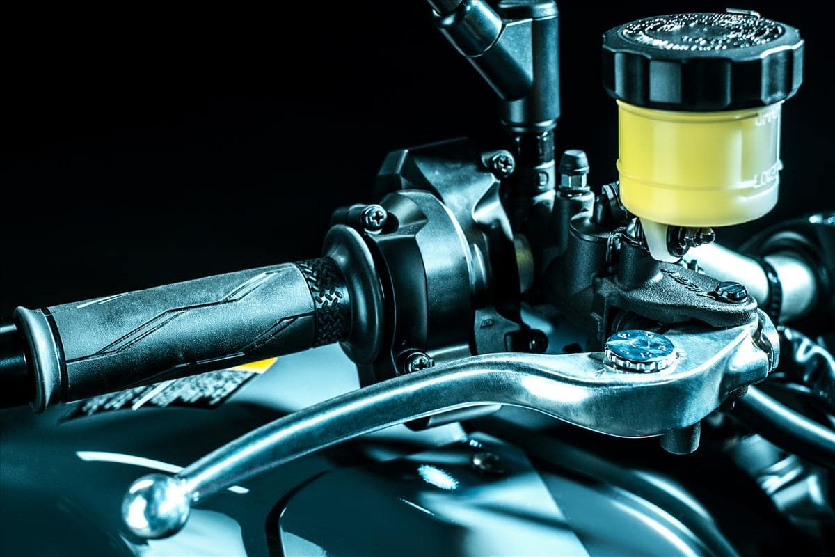 2021 Yamaha MT-09 throttle and ride by wire