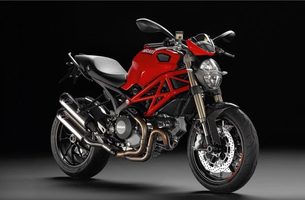The Ultimate Air-cooled Monster: Ducati Monster 1100 EVO