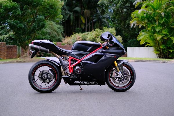 The Dogs of War: Review of my Ducati 1098S